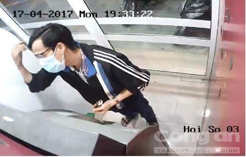 Chủ thẻ ATM mất sạch tiền vì lấy ngày sinh đặt mật khẩu thẻ