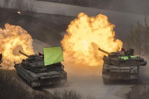Xem xe tăng Mỹ-Hàn khai hỏa gần biên giới Triều Tiên