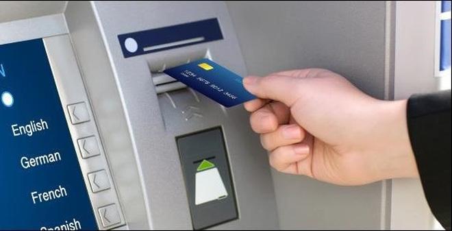 Nhiều người bỗng dưng mất tiền triệu trong tài khoản dù thẻ ATM vẫn cất kỹ 2