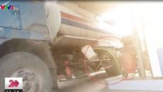 Thủ đoạn rút ruột xăng và pha xăng với dầu