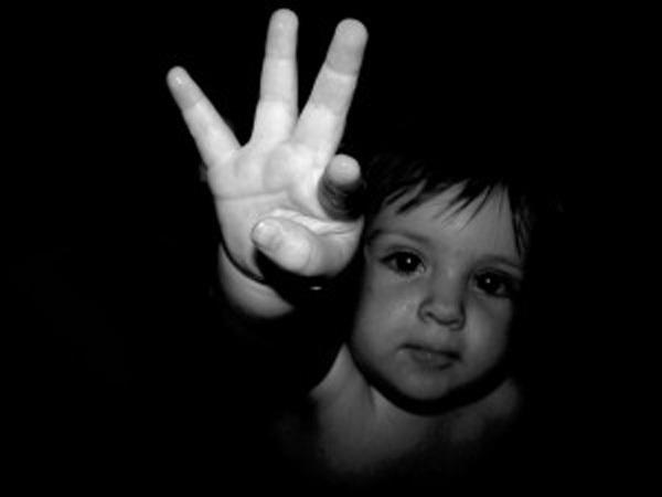 Tự kỷ,trẻ tự kỷ,dấu hiệu trẻ tự kỷ