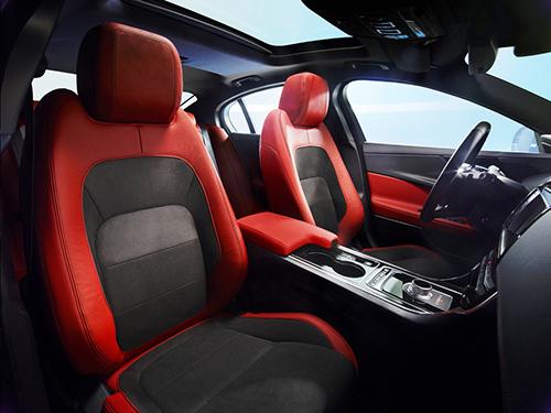Jaguar XE- Trải nghiệm lái tốc độ cao vượt trội