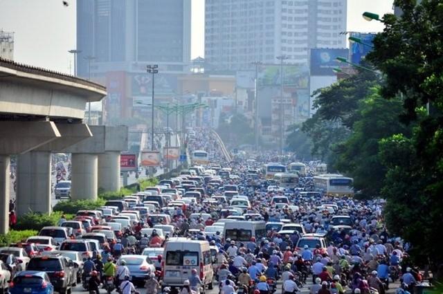 Cấm xe máy, cấm ô tô, hạn chế phương tiện cá nhân, tắc đường, dẹp vỉa hè, cao ốc nội đô