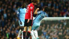 """Mourinho đay nghiến Aguero vì """"diễn kịch"""" quá đạt"""