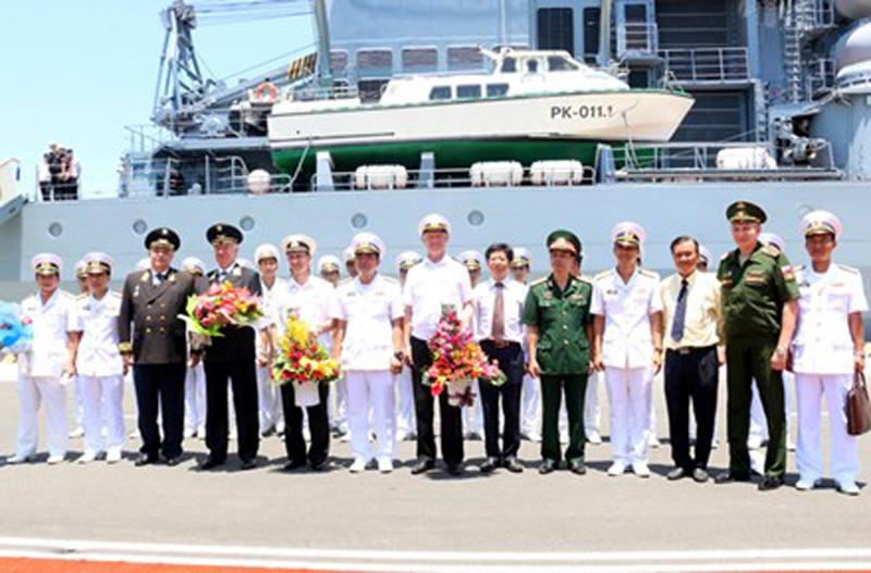 Tàu tuần dương tên lửa, Hải quân Nga, cảng Cam Ranh