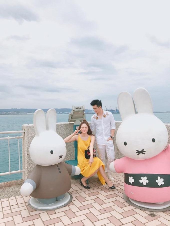Hà Anh tình tứ cùng Hương Giang Idol trong MV mới