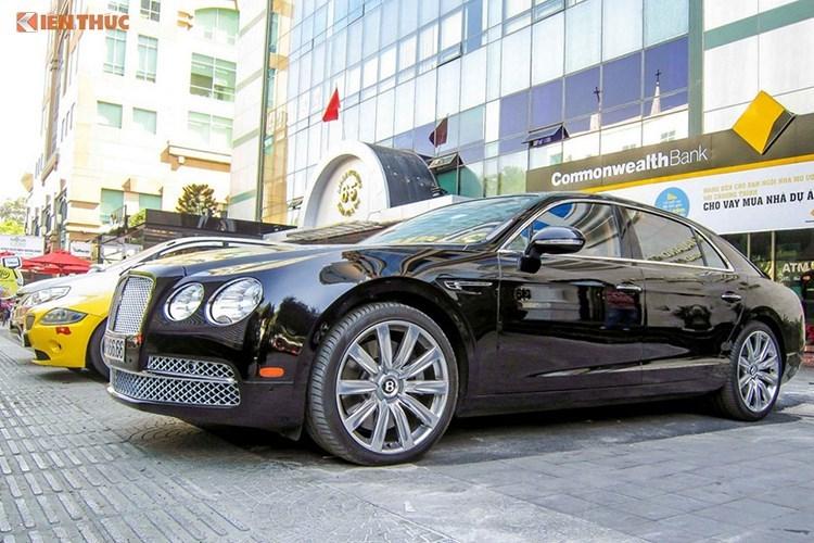 """Cận cảnh Bentley tiền tỷ, biển tứ quý của """"cậu ấm"""" Novaland"""