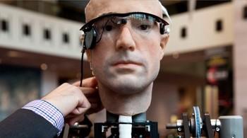 """Vì sao các đại gia công nghệ đang lao vào """"cuộc chiến"""" chatbot?"""