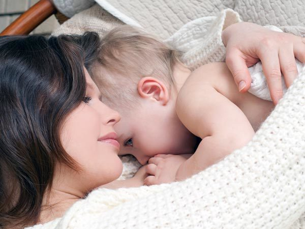 tính cách, giờ sinh, cách chăm sóc bé