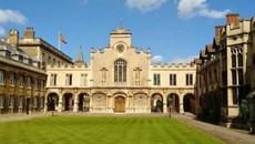 """""""Lộ diện"""" trường đại học tốt nhất tại Anh năm 2018"""