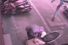 Trộm IC xe Lead trong tích tắc