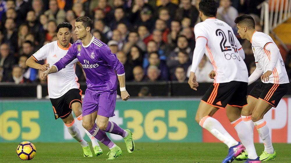 Real Madrid vs Valencia: Cạm bẫy trên sân nhà