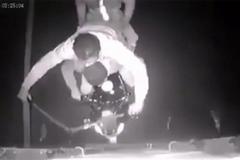 Băng siêu trộm tấn công xe container và cái kết đau đớn
