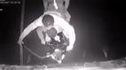 10 clip 'nóng': Băng siêu trộm tấn công xe container và cái kết đau đớn