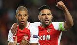 """Arsenal mua """"thần đồng"""" Mbappe, Mourinho nói điều gan ruột"""