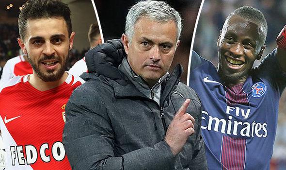 Mourinho 'đánh lớn', De Gea không đòi rời MU