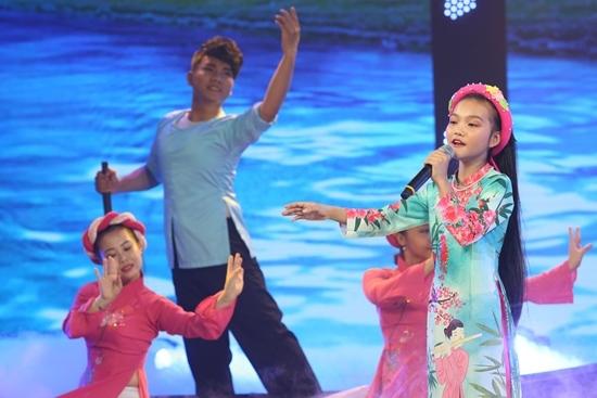 Quang Linh chê NSND Thu Hiền, Cẩm Ly khó tính