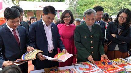Hà Nội hướng tới Thủ đô Sách