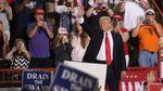 Ông Trump tấn công truyền thông trong lễ mít-tinh 100 ngày tại nhiệm