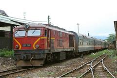 Gãy đường ray tàu hỏa, hơn 1000 khách may mắn thoát nạn