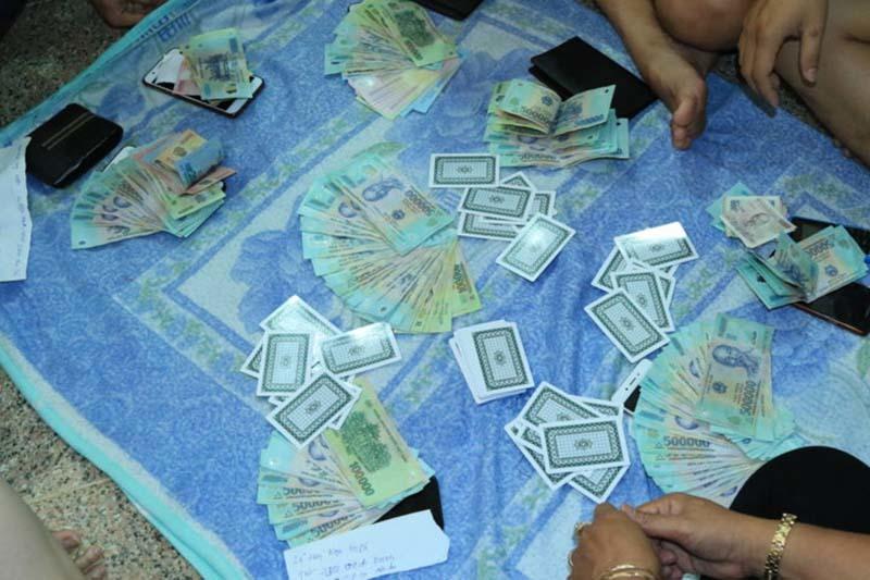 Triệt phá ổ bạc trong chung cư cao cấp