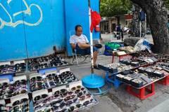 Hàng quán bủa vây nhà 4 mặt tiền của đại gia Sài Gòn xưa