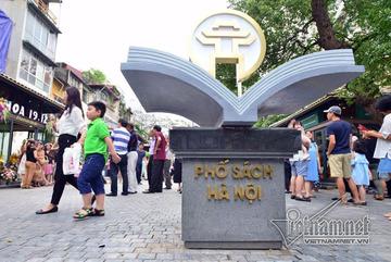 Phố 19 tháng 12 là tuyến phố sách đầu tiên của Hà Nội