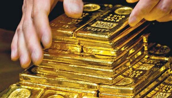 Giá vàng hôm nay 2/5: Vàng bất ngờ tụt giảm