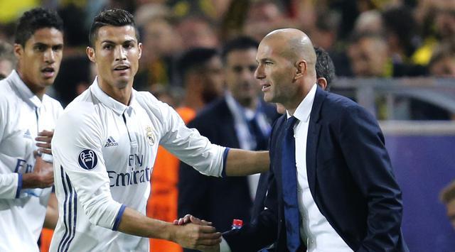 Làm thầy, Zidane vẫn 'ghen tị' với Ronaldo
