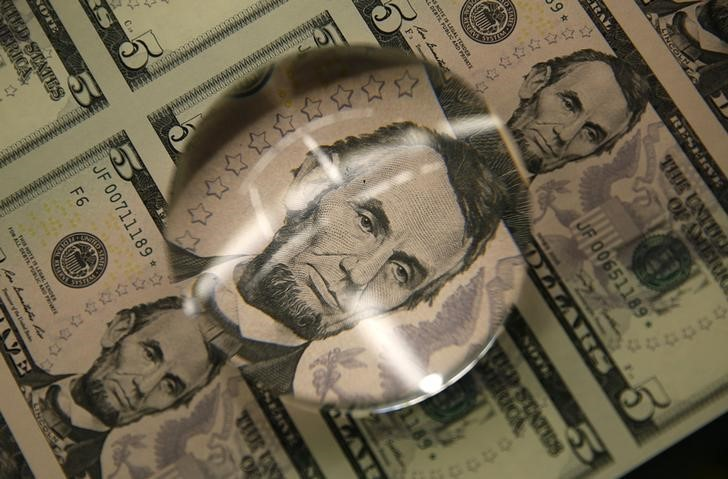 Tỷ giá ngoại tệ ngày 3/5: USD giao dịch ảm đạm