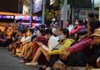 Bến xe Sài Gòn kẹt cứng lúc 2h sáng, khách vật vờ tìm đường về