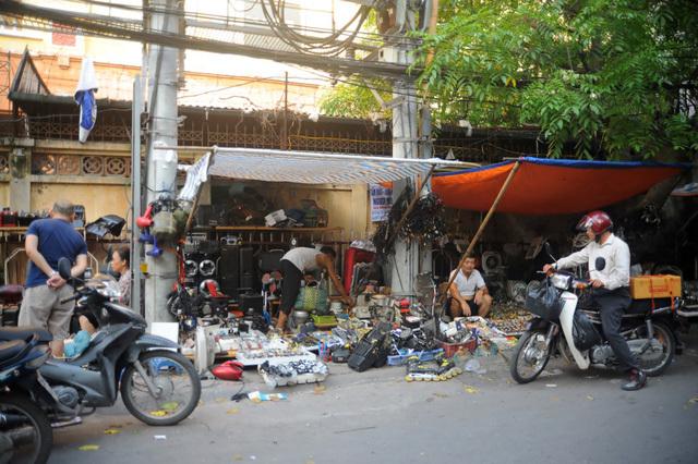 Những khu chợ kỳ dị, độc đáo chỉ có ở Việt Nam