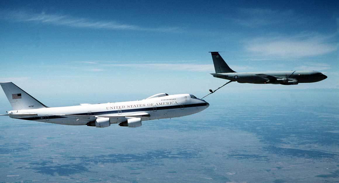 Vén màn phi đội máy bay bí mật của Tổng thống Mỹ