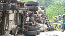Tai nạn chồng tai nạn trên quốc lộ, 3 người thương vong