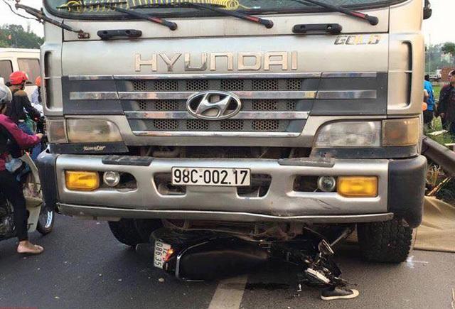 Thông tin mới vụ 2 anh em ruột bị xe tải lấn làn đâm chết