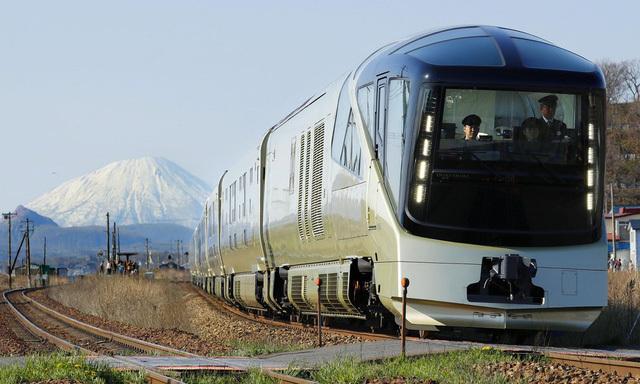 Bên trong chuyến tàu siêu sang giá vé lên tới 10.000 USD