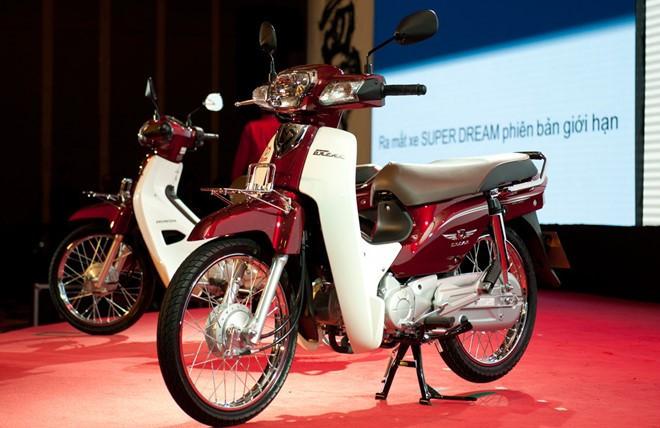 Honda Dream: Từ 'siêu xe' đắt như biệt thự cho tới khi bị khai tử