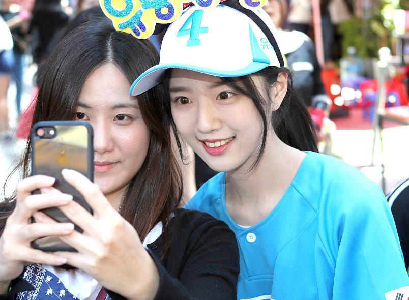 Nhan sắc con gái ứng viên tổng thống Hàn Quốc 'gây sốt'