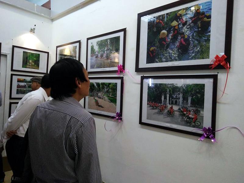Trao giải cuộc thi ảnh: 'Thủ đô Hà Nội xanh - sạch - đẹp 2016'