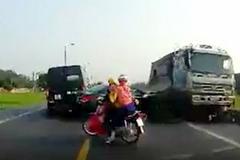 Tạm giữ lái xe tải lấn làn cán chết hai anh em ở Bắc Giang
