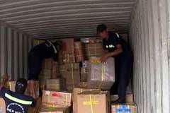 Phát hiện hàng chục container chứa hàng lậu trị giá 100 tỷ