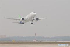 Đột phá lớn của Trung Quốc, máy bay tự chế cất cánh