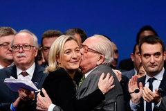 Cha bà Le Pen mua rượu thượng hạng sẵn sàng ăn mừng