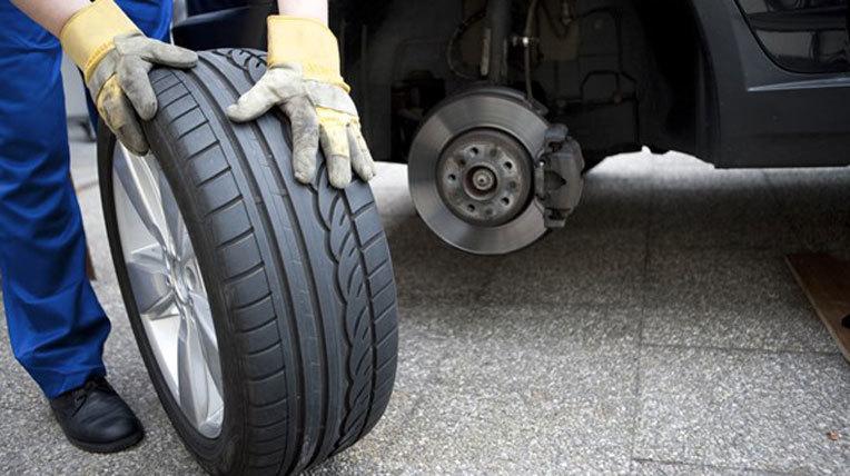 lốp ô tô, đèn ô tô, phụ tùng ô tô, lái xe, tài xế, bảo dưỡng ô tô