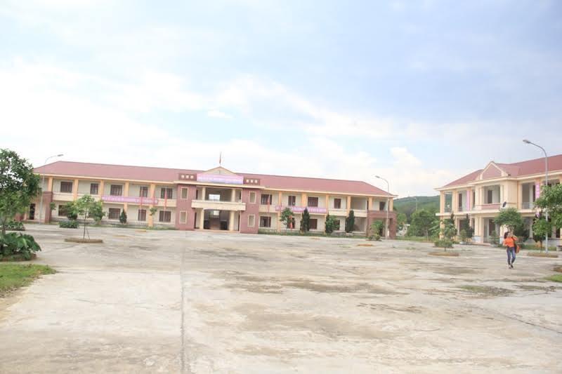 Trường xây 39 tỷ đồng chỉ phục vụ 49 học sinh