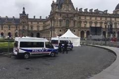 Nơi mở tiệc mừng của ứng viên Pháp sơ tán khẩn vì chiếc túi lạ
