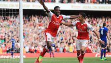 MU buông xuôi, nhường chiến thắng cho Arsenal