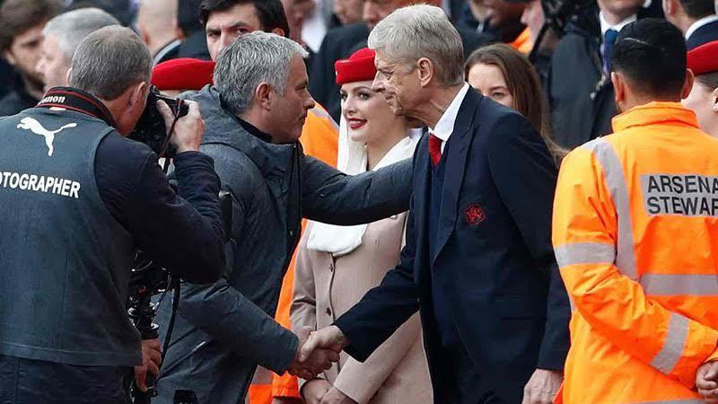 MU phơi áo ở Emirates: Mourinho còn gì để huênh hoang?