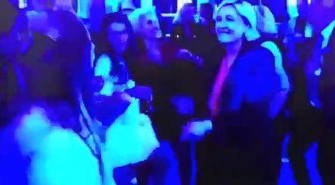 Bà Le Pen nhảy cực sung sau khi thất cử