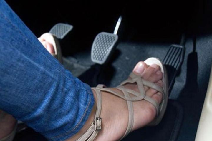 10 bước cần làm khi ô tô bị mất phanh